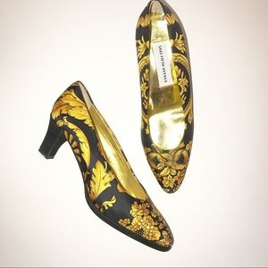 Saks Fifth Avenue Black & Gold Heels